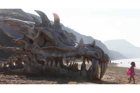 Seven hells! Giant 'Game of Thrones' dragon skull shows up ...