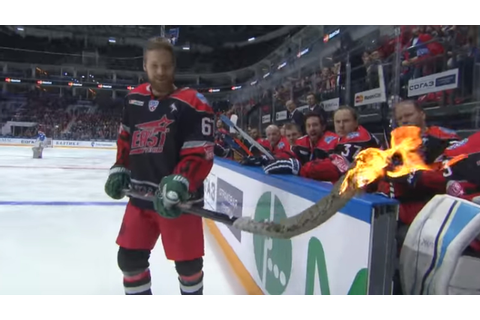 Hockey player SETS HIS STICK ON FIRE for shootout attempt ...