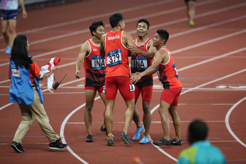 Asian Games: Indonesia takes silver in men's 4x100 relay ...