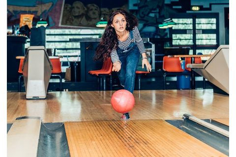 Ten-Pin Bowling Tips for Beginners | LIVESTRONG.COM