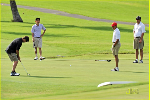 Full Sized Photo of obama golf 14 | Photo 1623091 | Just Jared