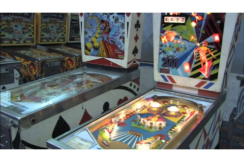 Classic Game Room - GOTTLIEB'S 2001 pinball machine review ...