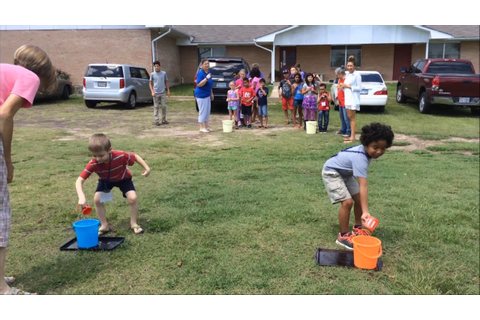 Monday - Water Relay Race - VBS 2017 - YouTube