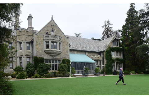 Playboy Mansion For Sale.79 Mtv Cribs Playboy Mansion ...