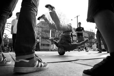 Breakdance - Wikipedia