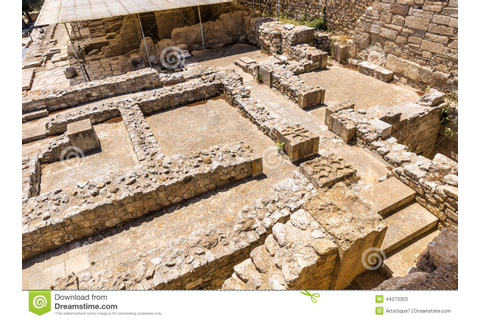 Labyrinth In Knossos Palace Stock Image - Image of ...