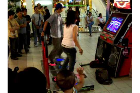 Cebu City Ayala Mall Dancing Stage Game - YouTube