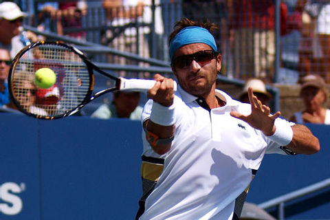 Tennis Pros Up Their Game With Sporty Shades – Eyecessorize