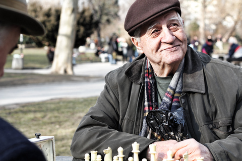 Languages and games help old age and dementia - Kloo Games