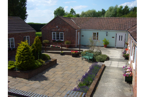 Crewyard Holiday Cottages: The Cottages & Games Room