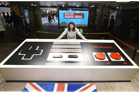 Largest video game controller in the world: Guinness Gamer ...