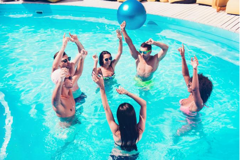13 Fun Pool Party Games for Teens | LoveToKnow