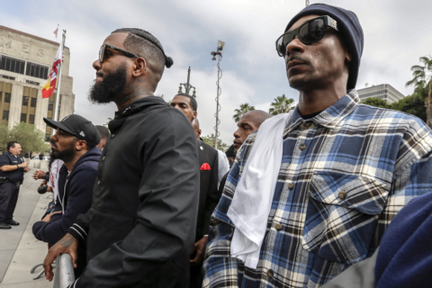 The Game meets with L.A. gangs in an effort to stop ...