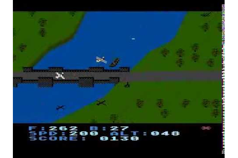 Blue Max - Atari XL/XE gameplay, flight over the city ...