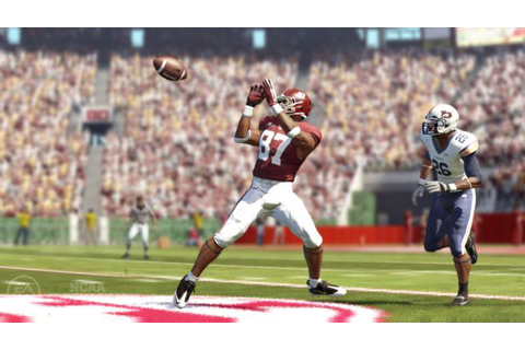Amazon.com: NCAA Football 12 - Xbox 360: Video Games