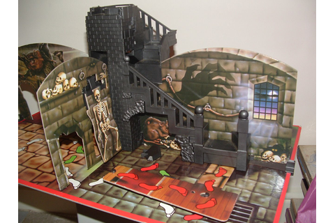 LOST ENTERTAINMENT: BOARD GAMES: GHOST CASTLE FROM MB