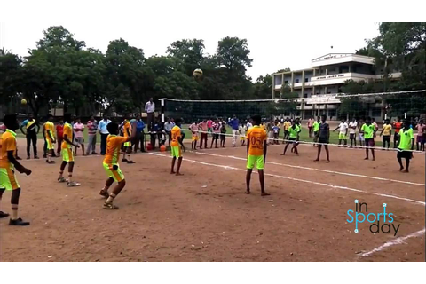 Boys playing throw ball in School Tournament - YouTube