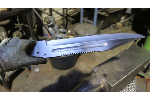 Forging the Prototype 2 game bowie knife, part 1, forging ...