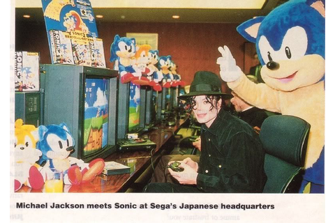 Tupac playing Sonic The Hedgehog 2. : gaming