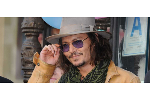 Johnny Depp pirate la mode - Gala