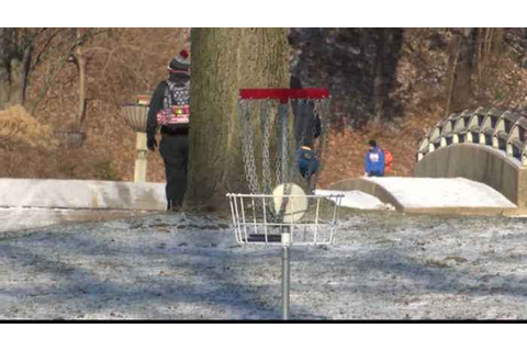 Braving the Cold for Disk Golf - One News Page VIDEO