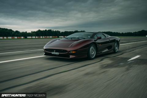 Big Game: Hunting The Jaguar XJ220 - Speedhunters