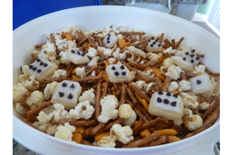 Bunco or Game Night Snack Mix | Party bites ;o) | Game ...