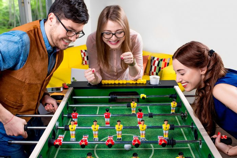 20 Fun Games to Play with Friends - Icebreaker Ideas