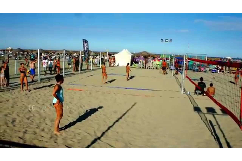 Female Beach Volleyball Game in Italy - YouTube