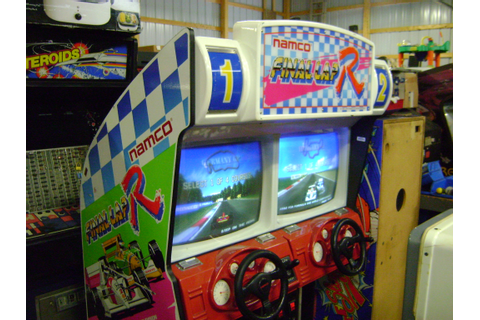Final Lap arcade machine