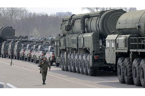 300,000 Troops and 900 Tanks: Russia's Biggest Military ...
