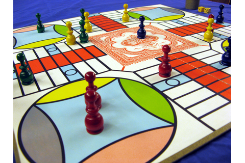 File:Parcheesi-board-perspective.jpg - Wikimedia Commons
