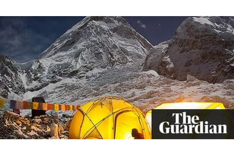 Everest climbers abandon ascent after attack by scores of ...