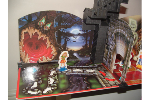 THE COBWEBBED ROOM: 'GHOST CASTLE' - Board Game 1980s