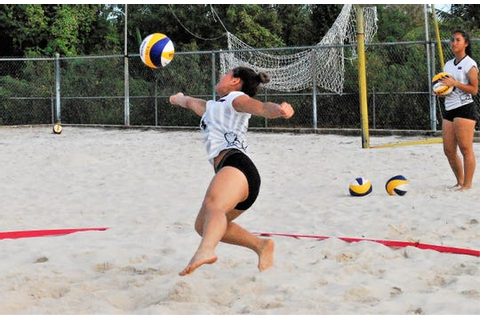 PDN Game of the Week: Beach volleyball showdown