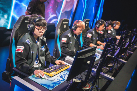 Korea Struggles Through First Two Days of League of ...