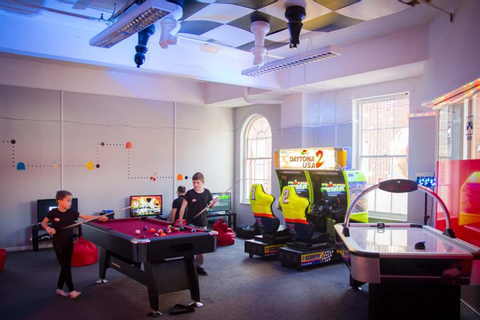 Gaming Party Zone - The Royal Star Arcade