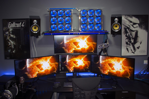 25 Amazing PC Gaming Battlestations | ForeverGeek