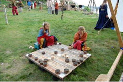 Play the Viking board game Hnefatafl online | Viking Chess ...