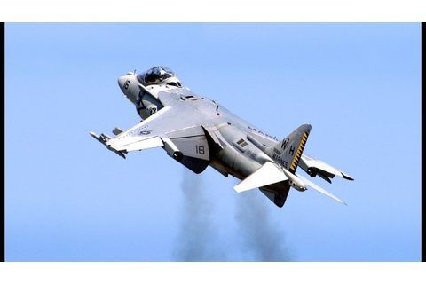 Harrier Jump Jet (AV-8B Harrier II) - Spectacular Action ...