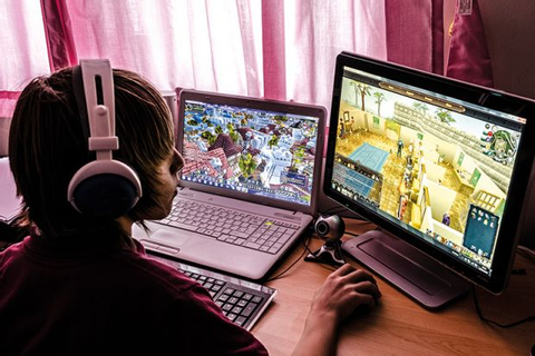 Playing video games 'improves students' employability ...