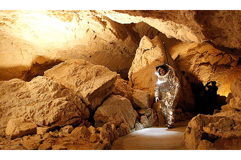 Karst Worlds: Icy caves setting for Mars mission tests