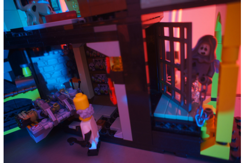 Lego MOC Haunted House Frankenstein - Leftover Culture Review