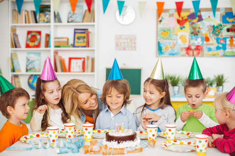 24 Birthday Party Games That Won't Cost You a Dime
