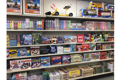Local toy stores react to closing of a retail giant | WBFO