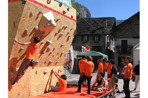 Bouldering ai Teva Extreme Outdoor Games 2006 ...