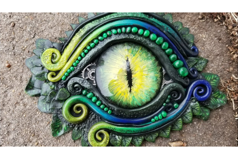 Sculpting a Green Dragon Eye - YouTube