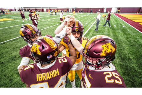 Highlights: 2019 Gopher Football Spring Game - YouTube