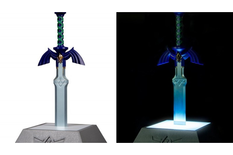 This Zelda Master Sword Lamp Will Keep The Poes At Bay ...