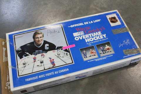 VINTAG WAYNE GRETZKY OVERTIME TABLE TOP HOCKEY GAME